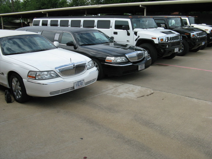 all seasons limo & car service  Photo